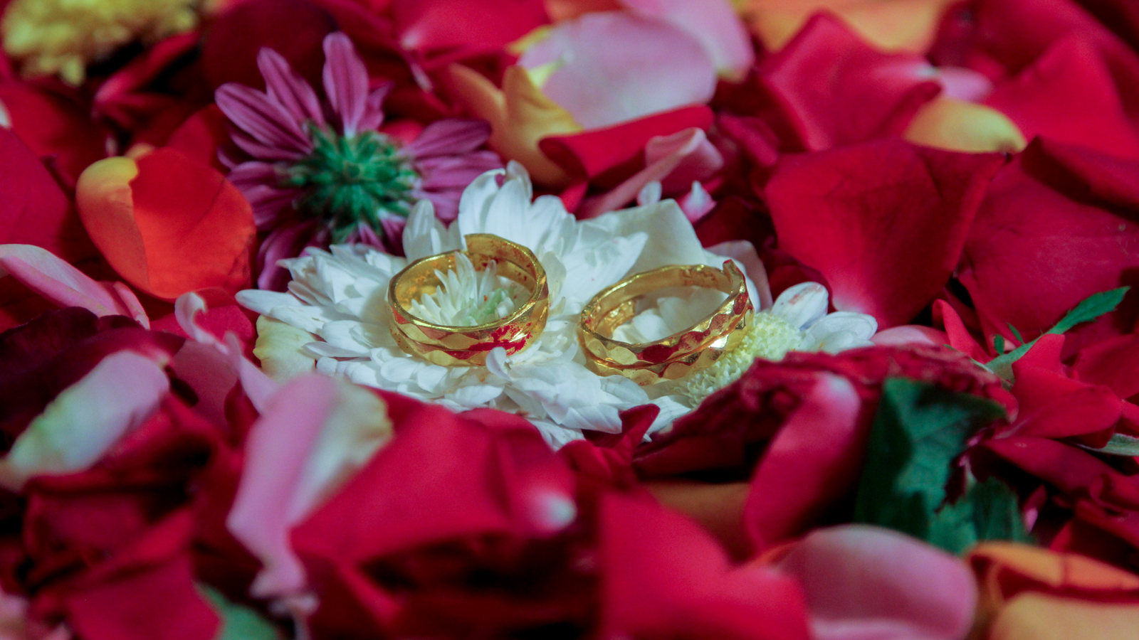 Engagement photography in Pune by Pixellinestudios