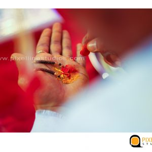 professional candid wedding photographers in pune_pixellinestudios