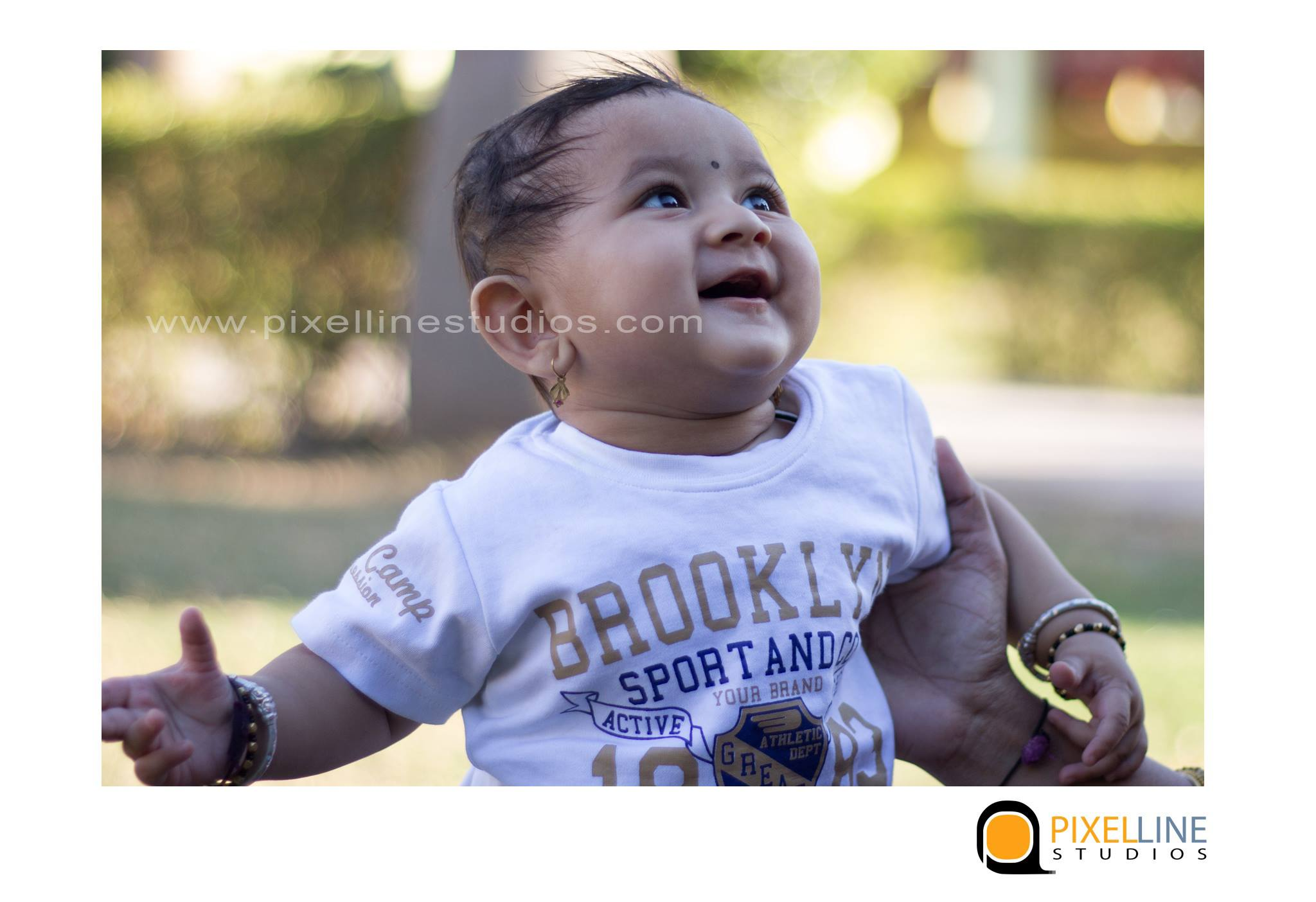 5-month-baby-photoshoot-in-pune_pixellinestudios