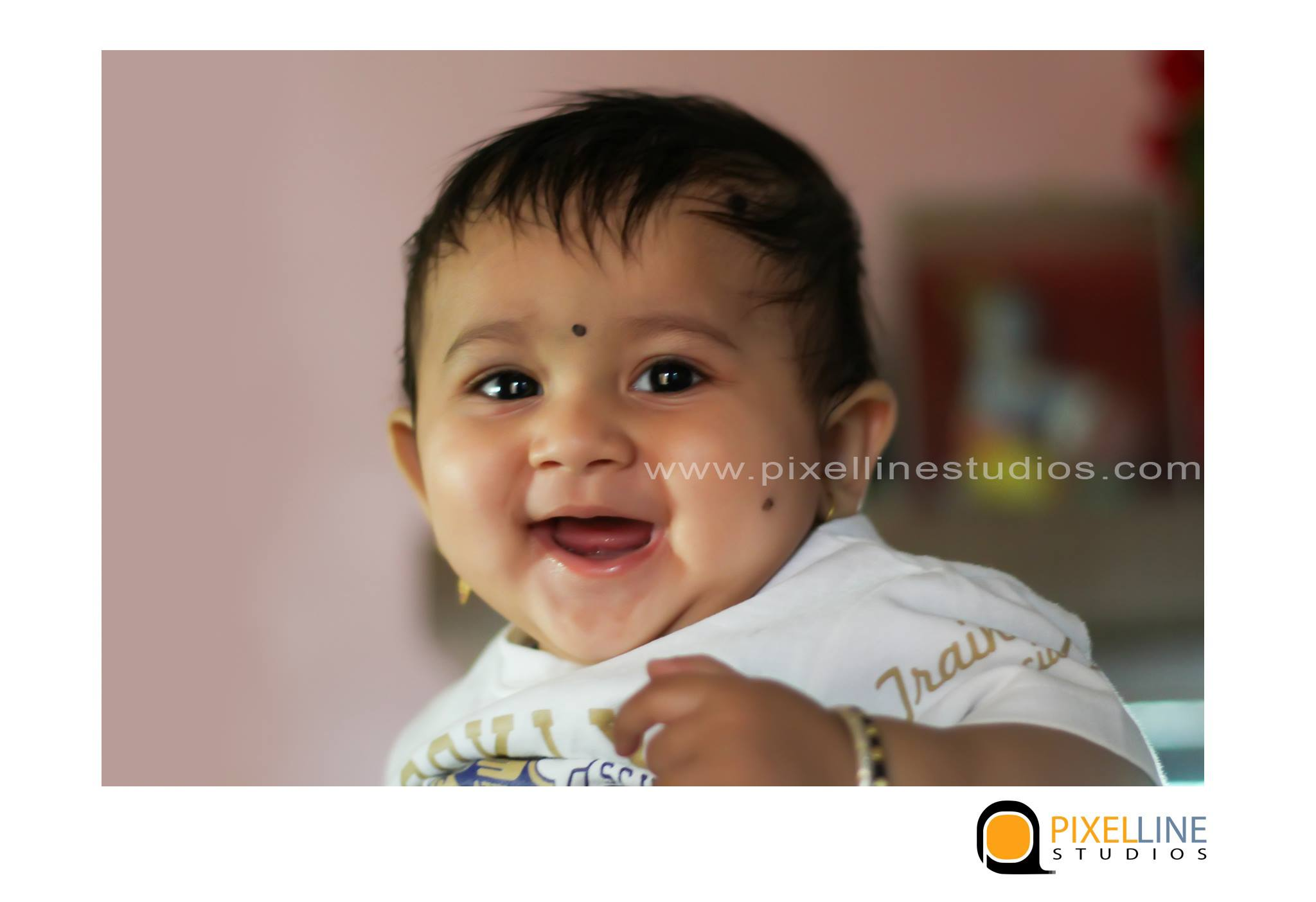 6-month-baby-photoshoot-in-pune_pixellinestudios