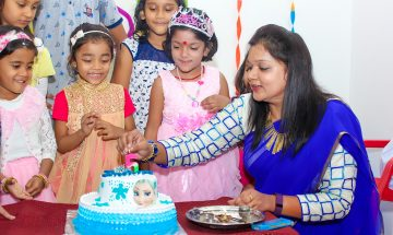 age 5 girl birthday photography in Pune by pixellinestudios.com